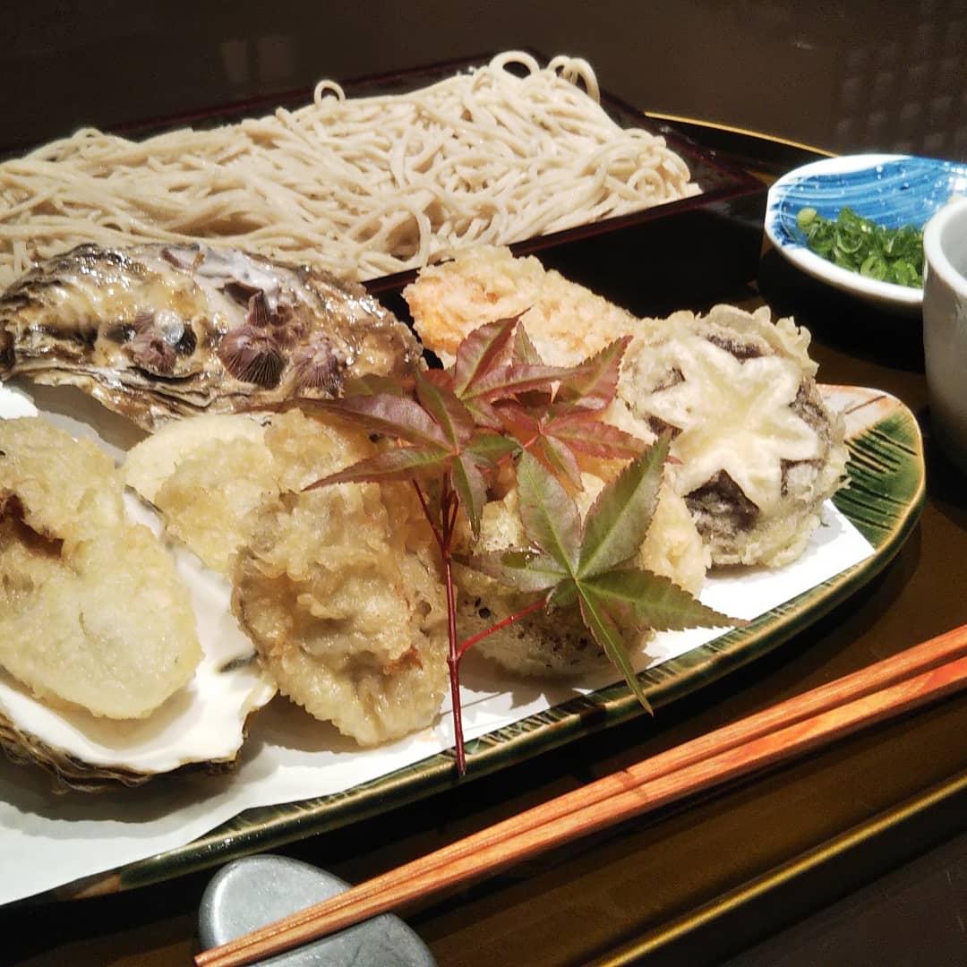 広島産牡蠣と冬野菜の天麩羅・十割蕎麦セット